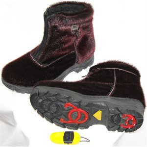 BURGUNDY BOOTS WITH TRACTION FOR WOMEN